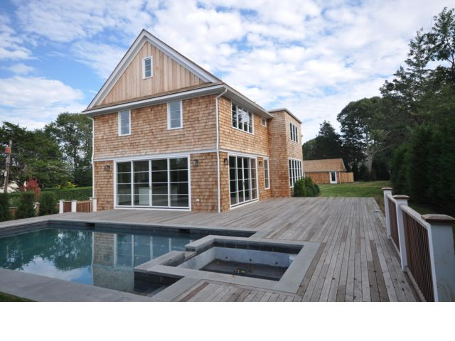 5 BR,  5.50 BTH  Traditional style home in Sag Harbor